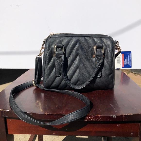 a1e99f7697d5 Handbags - Crossbody purse